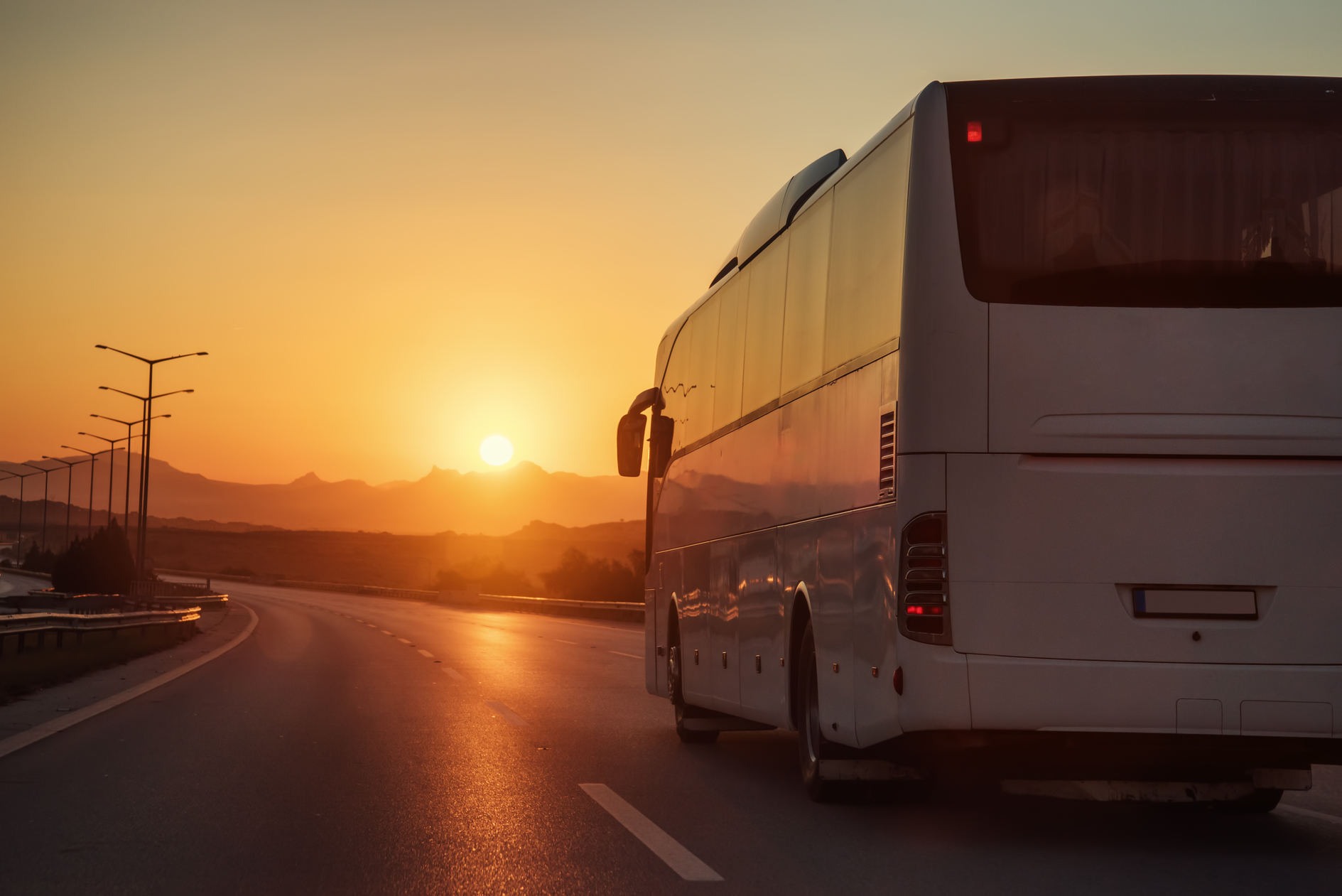 How much does it cost to rent a charter bus? | Chicago ...